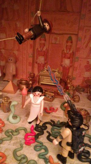 Exposition playmobil au chateau de jallanges sur le cinema indiana jones