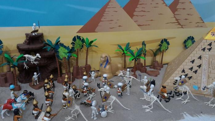 Faire une exposition playmobil decor egypte dominique bethune