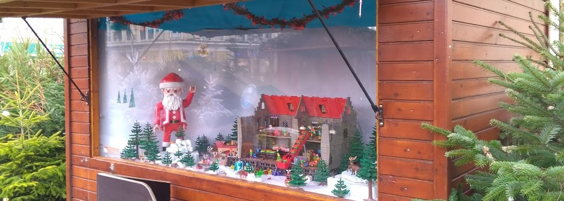 Habillage de vitrine ou animation de NOËL en Playmobil