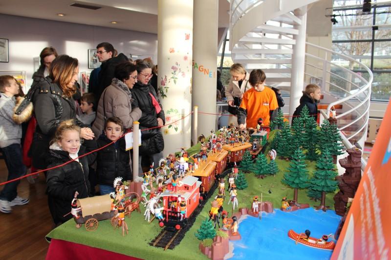 Inauguration ludotheque de rueil 2016 playmobil dominique bethune attaque du train