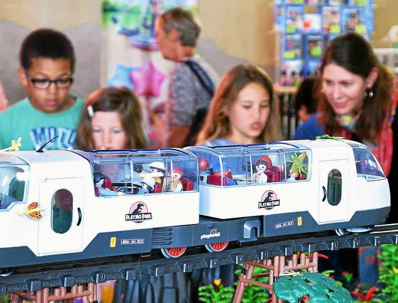 Playmobil jurassic park exposition de morlaix