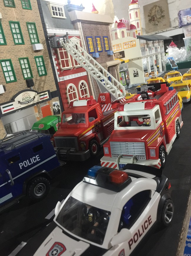 Playmobil newyork ghostbusters exposition playmobil chateau selles sur cher dominique bethune