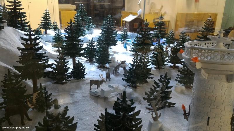 Vitrine reine des neiges en playmobil hopital robert debre 5 vitrine reine des neiges en playmobil hopital robert debre