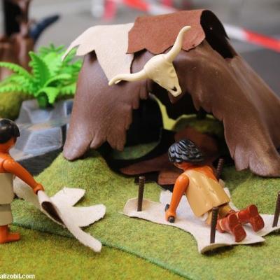 Diorama Les Jeux Préhistoriques en Playmobil