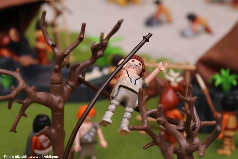 Les-jeux-préhistoriques-en-playmobil-dominique-bethune-38