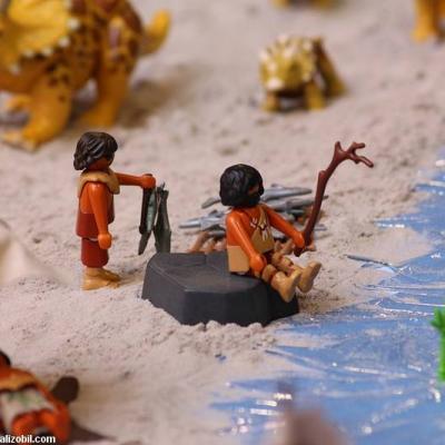 Les-jeux-préhistoriques-en-playmobil-dominique-bethune-62