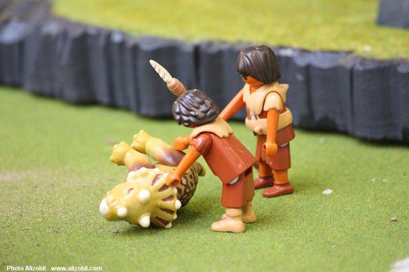 Les-jeux-préhistoriques-en-playmobil-dominique-bethune-63