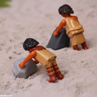 Les-jeux-préhistoriques-en-playmobil-dominique-bethune-68