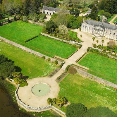 Visite des jardins en bordure de l'Odet - Exposition playmobil domaine de lanniron 2020